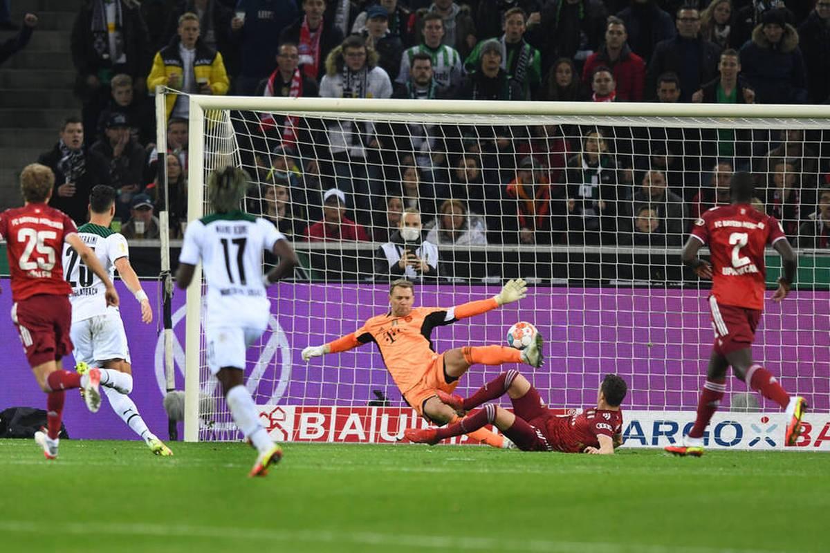 Der FC Bayern erlebte im DFB-Pokal bei Borussia Mönchengladbach eine Anfangsphase zum Vergessen