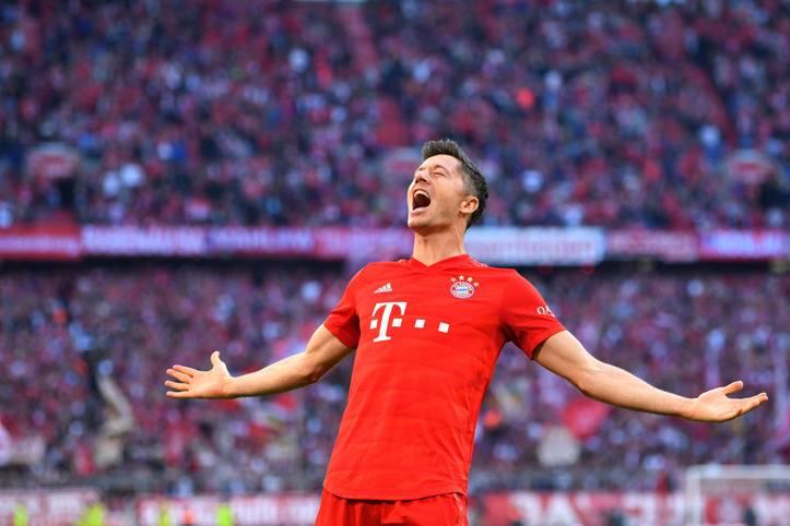 In jedem Spiel getroffen und nach neun Spieltagen schon 13 (!) Treffer auf dem Konto: Bayern-Torjäger Robert Lewandowski befindet sich in der Bundesliga mal wieder im Torrausch - und hat Pierre-Emerick Aubameyang bereits als Rekordstarter abgelöst