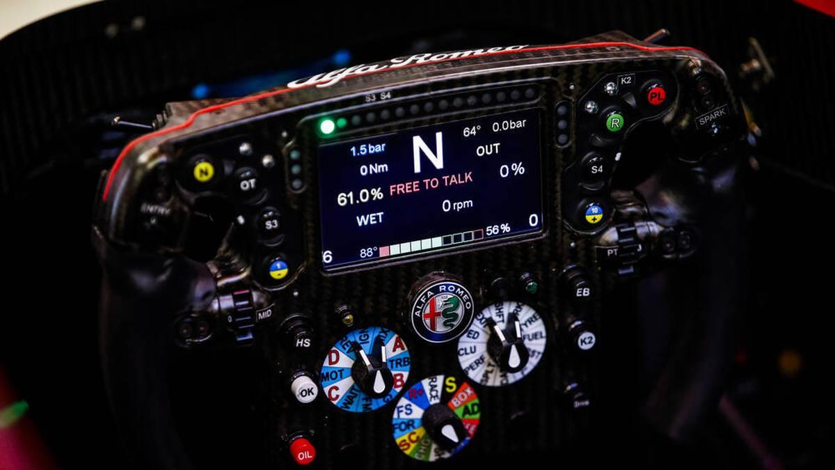Formel 1 Technik: Das Lenkrad eines Formel 1 Autos.