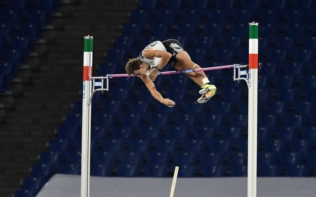 Armand Duplantis hält sowohl den Freiluft- als auch Hallen-Weltrekord im Stabhochsprung
