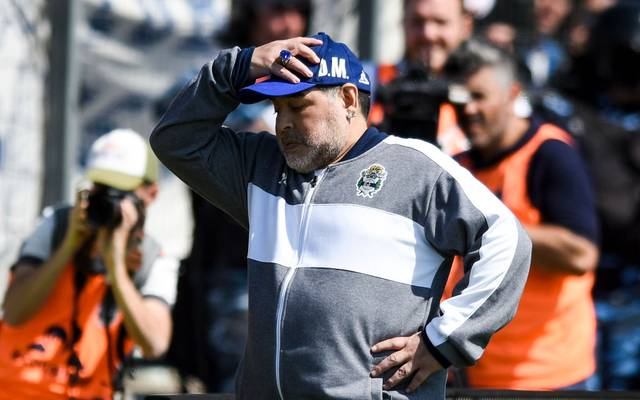 LA PLATA, ARGENTINA - SEPTEMBER 15: Diego Armando Maradona coach of Gimnasia y Esgrima La Plata gestures during a match between Gimnasia y Esgrima La Plata and Racing Club as part of Superliga Argentina 2019/20 at Estadio Juan Carlos Zerillo on September 15, 2019 in La Plata, Argentina. (Photo by Marcelo Endelli/Getty Images)