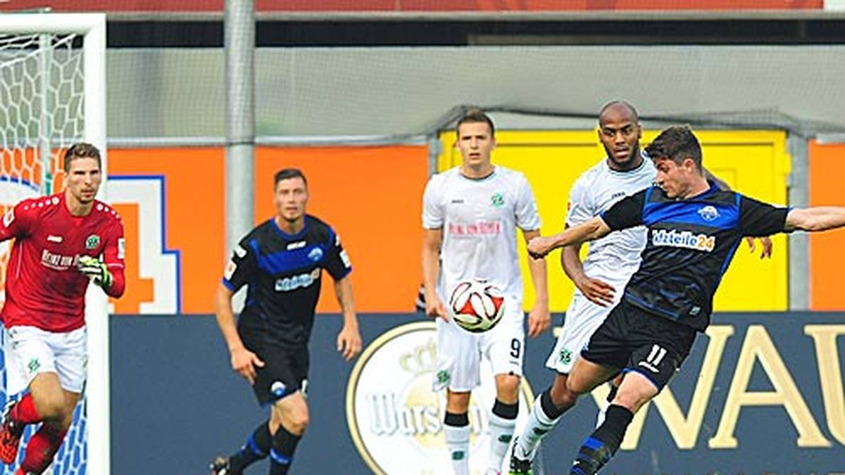 Gerade seit vier Spieltagen gehört der SC Paderborn zur Bundesliga - und schon hat er einen Rekord: Moritz Stoppelkamp trifft beim 2:0 gegen Hannover aus 83 Metern. SPORT1 zeigt die weitesten Weitschusstore