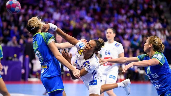 Estelle Nze Minko feierte mit Frankreichs Handballerinnen den ersten Sieg