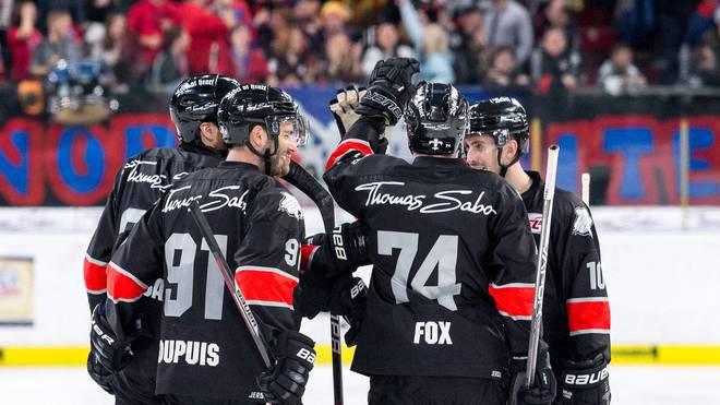 Die Nürnberg Ice Tigers liegen in der DEL vier Punkte vor Meister Red Bull München