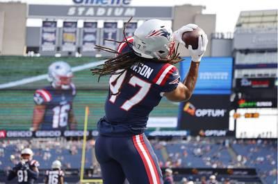 Die New England Patriots um den deutschen Fullback Jakob Johnson fahren in der NFL den ersten Saisonsieg ein.