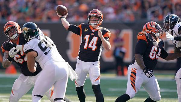 CINCINNATI, OHIO - OCTOBER 20: Andy Dalton #14 of the Cincinnati Bengals throws the ball during the NFL football game against the Jacksonville Jaguars at Paul Brown Stadium on October 20, 2019 in Cincinnati, Ohio. (Photo by Bryan Woolston/Getty Images)