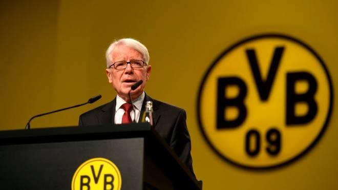 BVB-Präsident Reinhard Rauball leidet mit den Dortmunder Handballerinnen