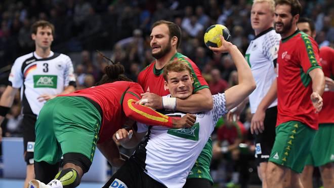 Handball Blaue Karte.Handballregeln Freiwurf Siebenmeter Zeitstrafe Sport1 Klärt Auf