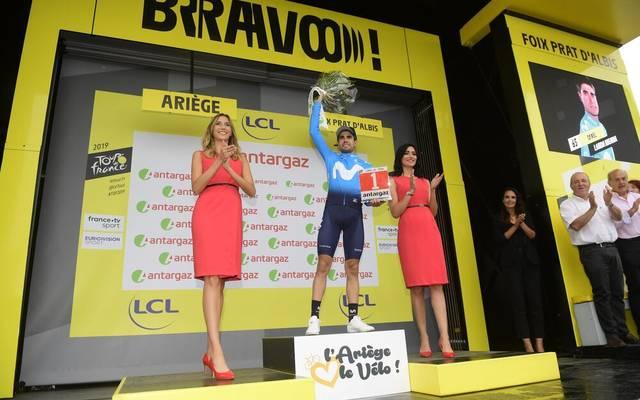 Bei der Tour de France wird es künftig nur noch eine Hostess bei der Siegerehrung geben