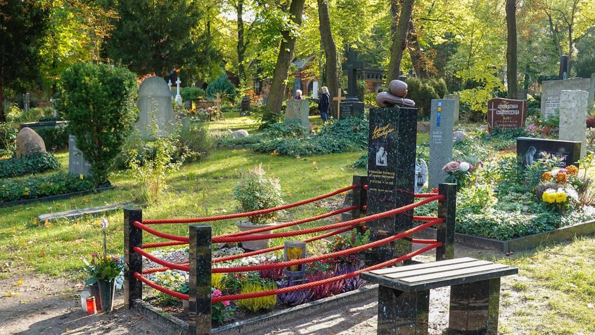 Das Grab von Graciano Rocchigiani am Alten St.-Matthäus-Kirchhof in Berlin