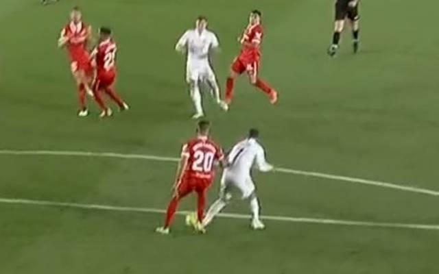 Bei Reals spätem Ausgleich dank Toni Kroos fälschte Eden Hazard den Ball mit dem Fuß noch ins Tor des FC Sevilla ab