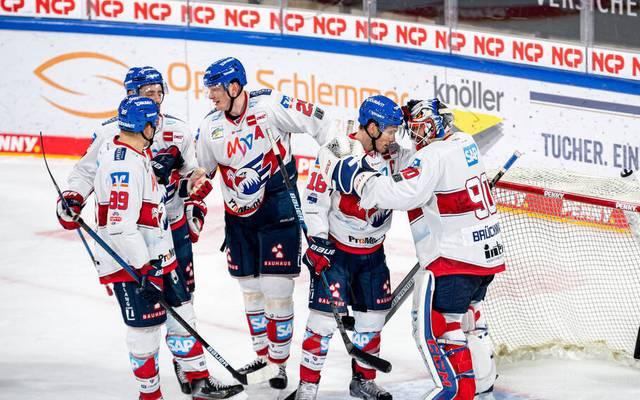 Die Adler Mannheim setzen ihre Erfolgsserie gegen die Nürnberg Ice Tigers fort