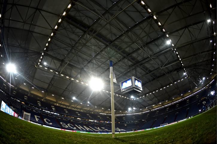 Das Licht ist an, die Schalker Arena bereit: Real Madrid tritt in Gelsenkirchen zum Hinspiel im Achtelfinale der Champions League an