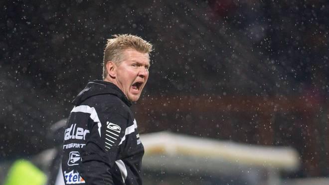 Stefan Effenberg ist mit dem SC Paderborn schon seit sechs Spielen ohne Sieg