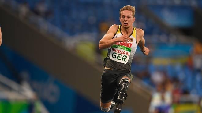 Johannes Floors gewann bei den Paralympics 2016 mit der 4-mal-100-Meter-Staffel die Goldmedaille