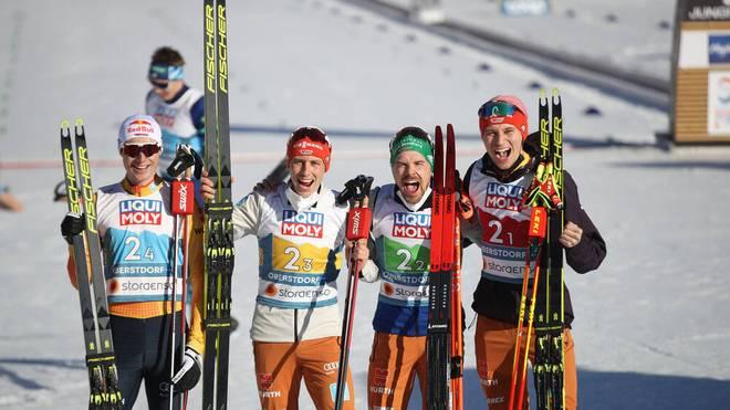 Vinzenz Geiger, Eric Frenzel, Fabian Rießle und Terence Weber (v.l.) gewannen WM-Silber im Team