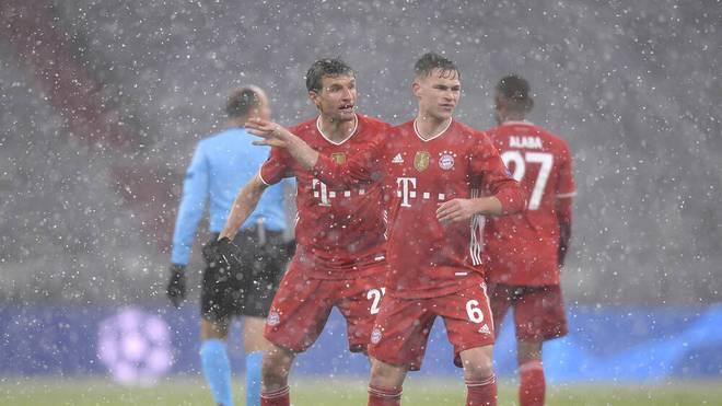 Thomas Müller (L) und der FC Bayern sind trotz der Niederlage wild entschlossen