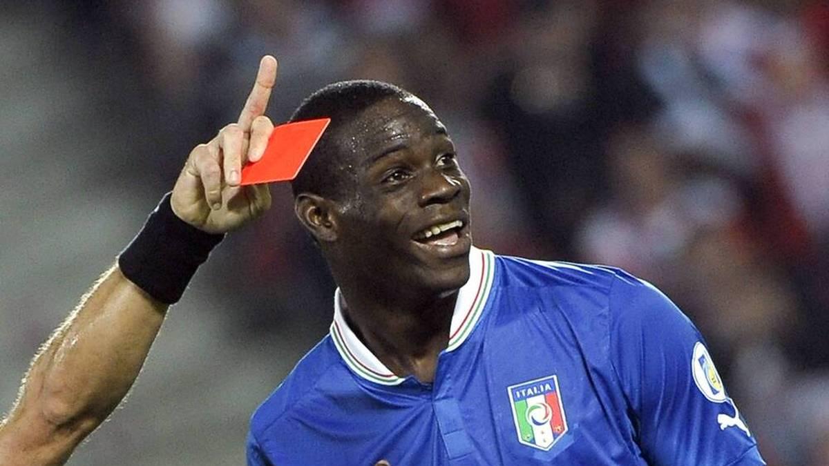 Mario Balotelli sah im Laufe seiner Karriere zahlreiche Rote Karten