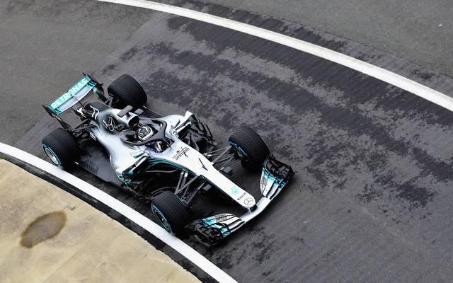 Valtteri Bottas dreht die ersten Runden mit dem neuen Mercedes