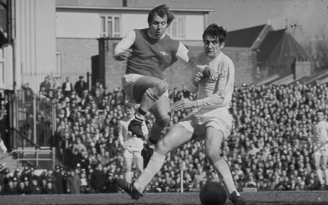 Norman Hunter (r,) spielte jahrelang für Leeds United