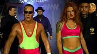 """Amy Dumas als """"Miss Congeniality"""" an der Seite von Danny Doring (l.) und Roadkill bei ECW"""