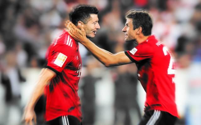 Robert Lewandowski (l. mit Thomas Müller) erzielte in den vergangenen drei beiden Pflichtspielen vier Tore