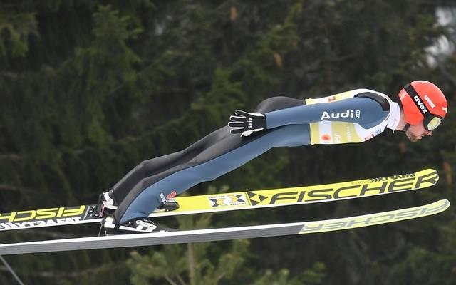 Fabian Rießle ist nach dem Springen auf Platz drei