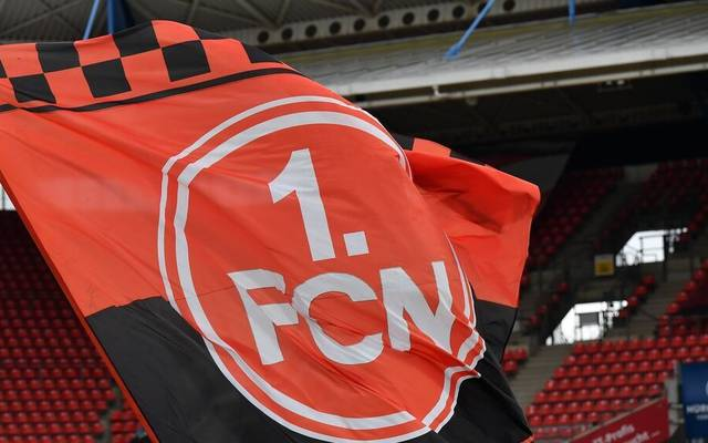 Der 1. FC Nürnberg geht auf Distanz zu einem Banner für einen verstorbenen Neonazi