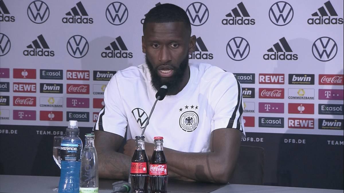 Antonio Rüdiger ist vom angeblichen Interesse des FC Bayern geehrt und äußert sich zu den Transfer-Gerüchten um ihn und Niklas Süle.