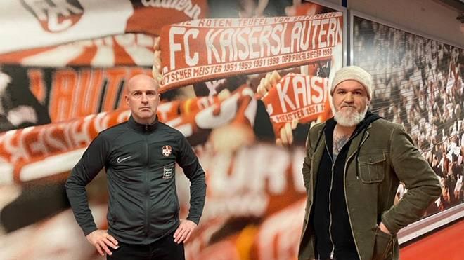 SPORT1-Reporter Reinhard Franke (r.) traf sich im Fritz-Walter-Stadion mit dem neuen FCK-Trainer Marco Antwerpen zum ersten Interview