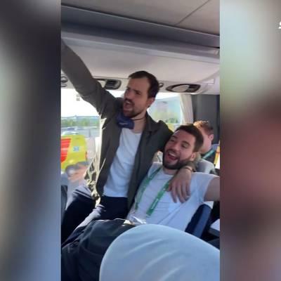 WM vorbei: So rocken die Halbfinal-Helden den Bus