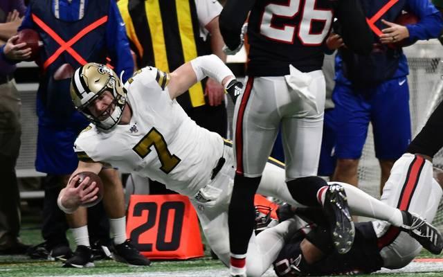Tayom Hill gelangen im ersten Spiel gegen die Atlanta Falcons gleich zwei Rush-Touchdowns