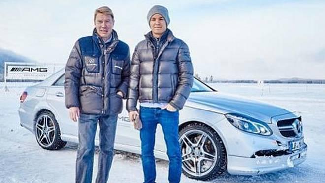 Nico Rosberg trifft sein großes Vorbild Mika Häkkinen in Schweden.