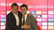 MUNICH, GERMANY - JANUARY 22: Hasan Salihamidzic, sporting director of FC Bayern Muenchen, (L) and Alvaro Odriozola, newly signed player of FC Bayern Muenchen, pose during his official presentation on January 22, 2020 in Munich, Germany. (Photo by Alexander Hassenstein/Getty Images for FC Bayern)