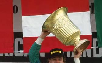 Meilenstein in der Karriere: 1986 feiert Berger in Mexiko mit Benetton seinen ersten Sieg in der Formel 1