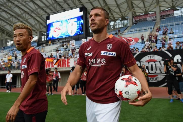 Seit Sommer 2017 mischt Lukas Podolski die japanische J1 League auf. Der frühere Nationalspieler hat sich mittlerweile bestens im Land der aufgehenden Sonne eingelebt