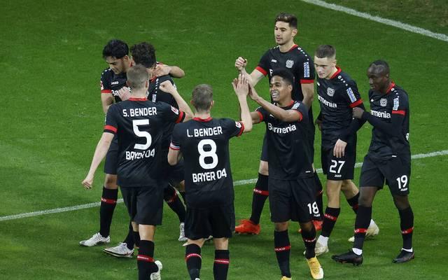 Lucas Alario (o.) wird bei Bayer Leverkusen immer mehr zum Dauerknipser