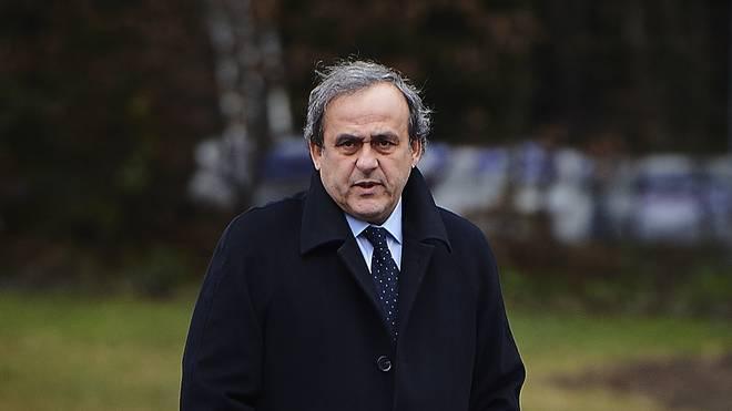 Michel Platini sitzt eine sechsjährige Sperre ab