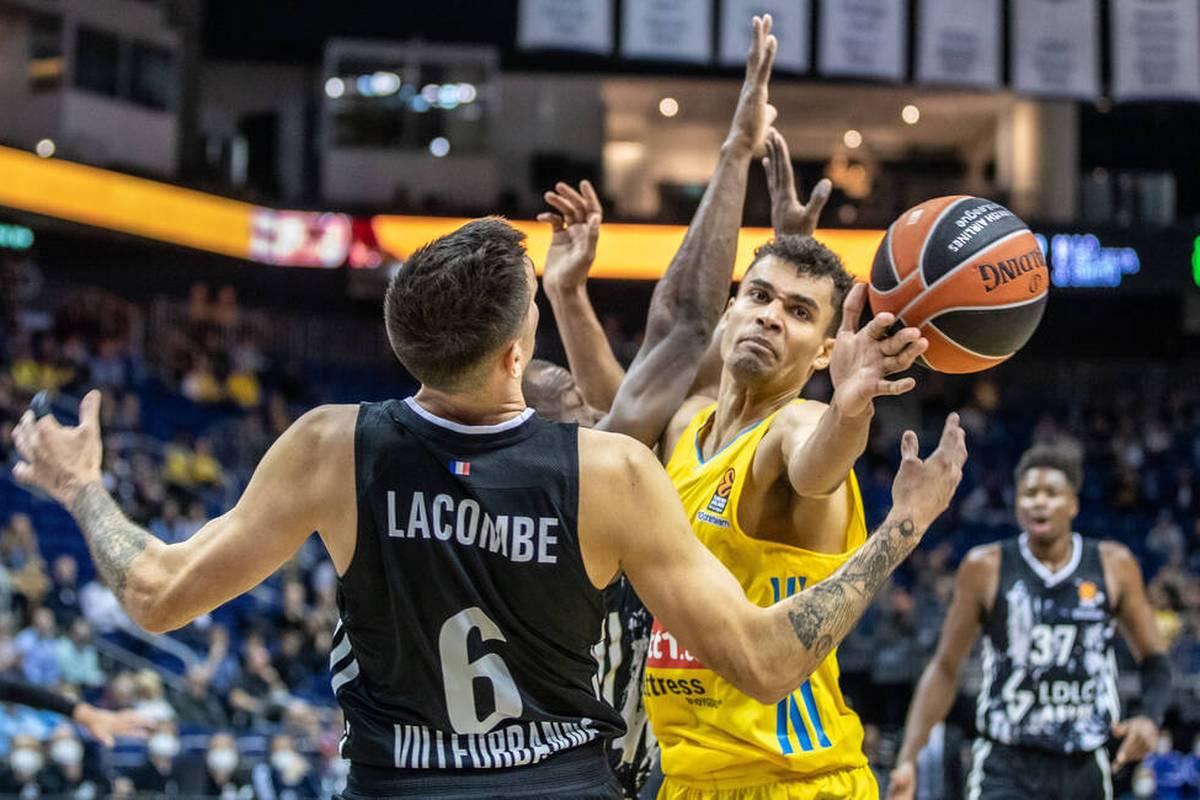 Für ALBA Berlin ist der Fehlstart in die neue Saison der EuroLeague komplett. Der deutsche Meister verliert auch gegen Lyon.