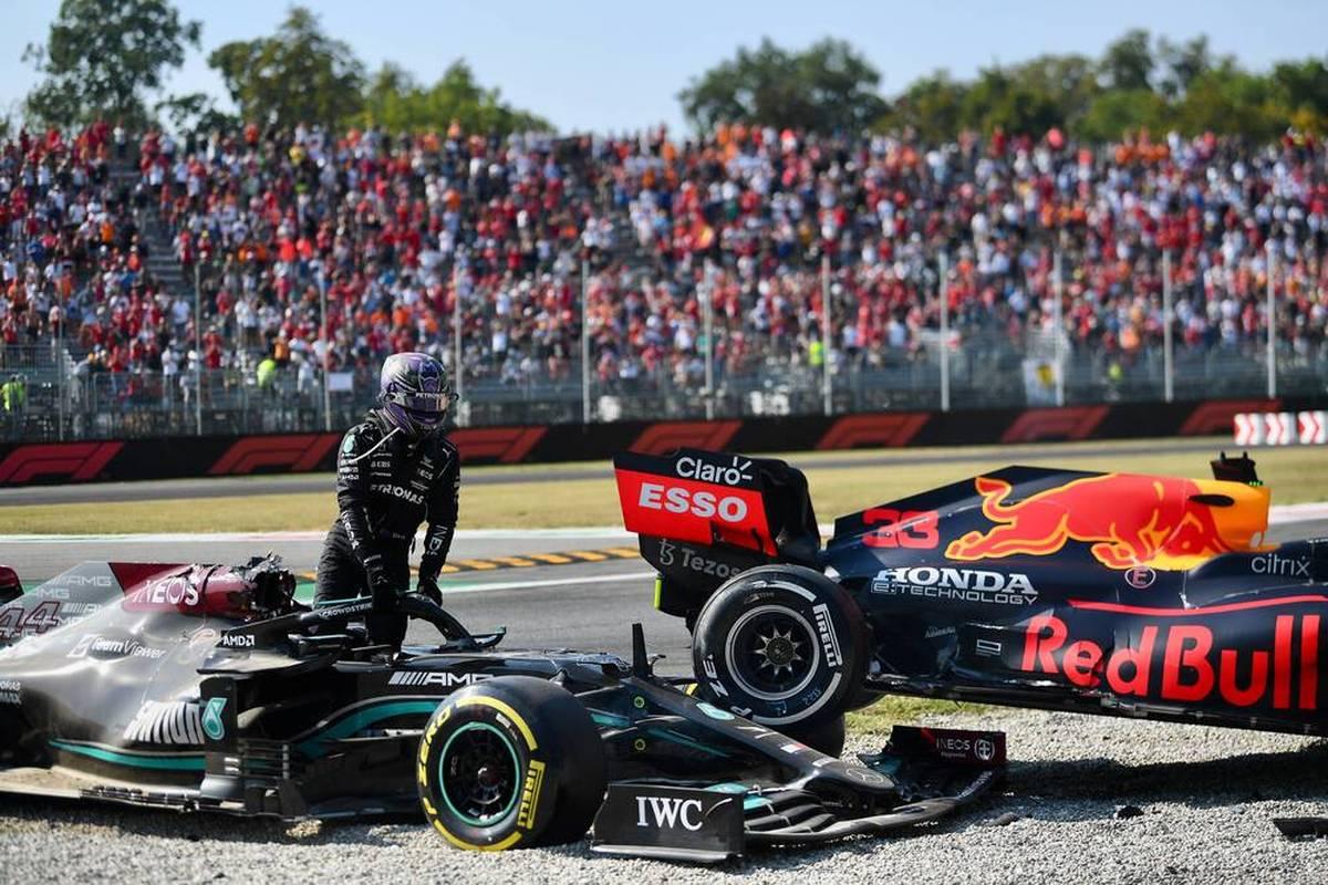 Ralf Schumacher bewertet den Crash zwischen Lewis Hamilton und Max Verstappen in Monza. Der Ex-F1-Pilot kritisiert dabei den siebenmaligen Weltmeister.