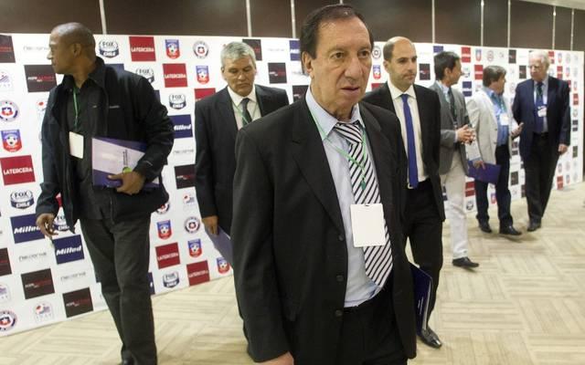 Carlos Bilardo, Argentiniens Weltmeister-Trainer von 1986 ist nach einer Hirn-OP in einem ernsten Zustand