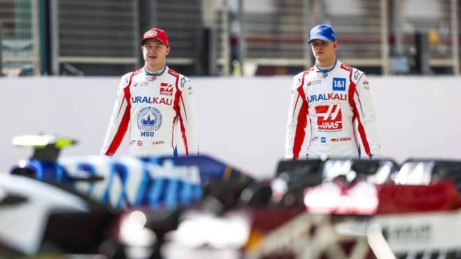 Nikita Mazepin (l.) und Mick Schumacher fahren gemeinsam für Haas