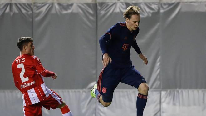 Ryan Johansson (re.) wird künftig das Trikot vom FC Sevilla tragen
