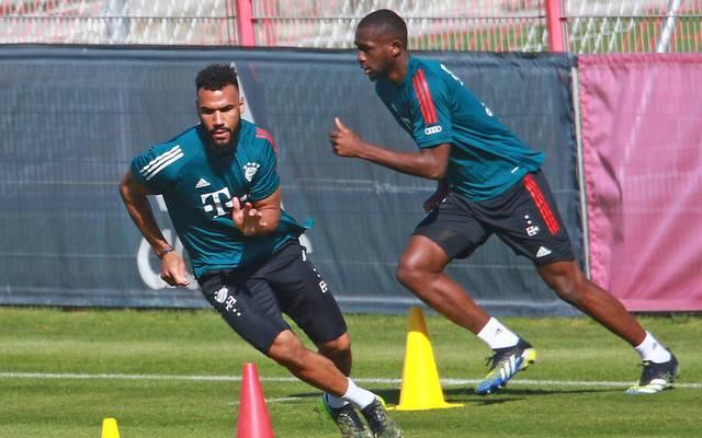 Eric Maxim Choupo-Moting, vorne und Tanguy Nianzou im Training des FC Bayern