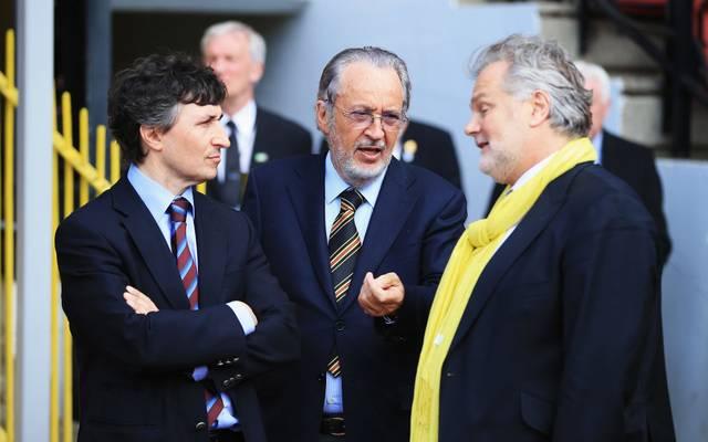 Giampaolo Pozzo (m.) mit seinem Sohn Gino (l.)