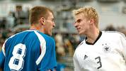 Wind, Regen und Färöer-Fußballer, die erbitterten Widerstand leisteten. Das DFB-Team mit Tobias Rau rannte an, doch das Tor wollte einfach nicht fallen