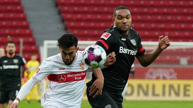 Jonathan Tah (r.) im Zweikampf mit Nicolás González vom VfB Stuttgart