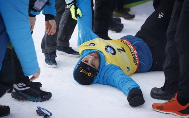 Martin Fourcade landete beim Jubeln hart auf dem Boden