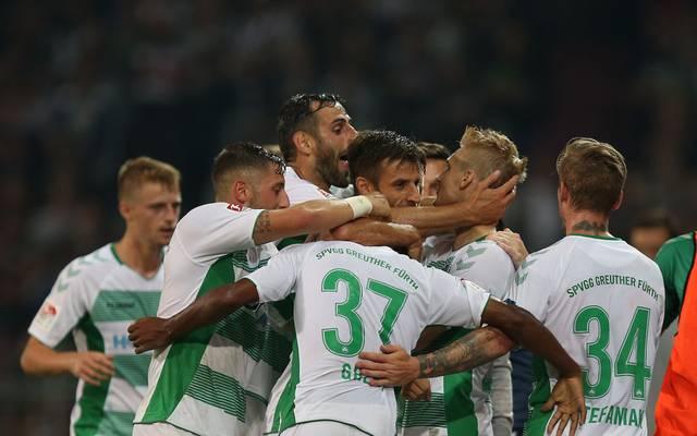 Die SpVgg Greuther Fürth kann mit einem Heimsieg gegen Aufsteiger Wiesbaden auf den zweiten Tabellenplatz vorrücken