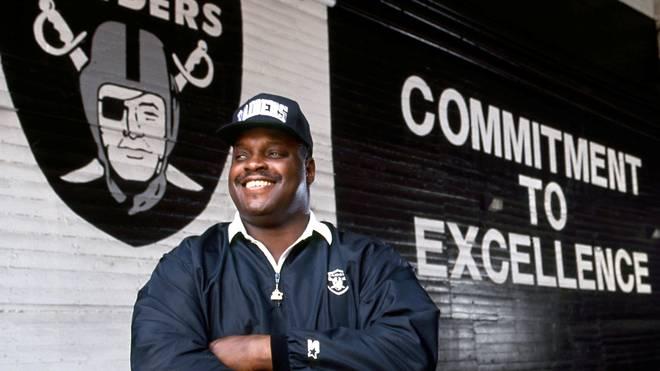 Art Shell wurde der erste dunkelhäutige Headcoach der NFL